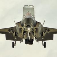 米国海兵隊のF-35B戦闘機が日本の岩国に配備、日本もF-35B戦闘機を導入せよ!!