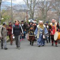 甲冑武将が歩き、築二百年前の古民家で舞い語るイベントは大成功