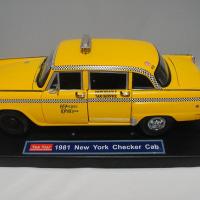 タクシードライバー トラヴィスの1/18チェッカーキャブ 1/18 TAXI DRIVER Travis's NY checker Cab