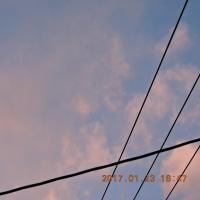 1/23 これは夕方の空 きょうはカメラがほしい空だった でも夕方写せた