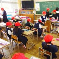 12/8 情報お知らせ委員会 サンタさんをつくろう!!