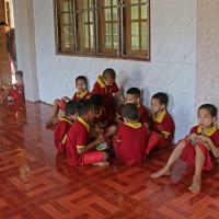 ミヤンマー ヤンゴン市内の寺小屋 5
