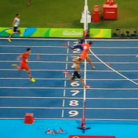 400mリレー 日本銀メダル アメリカと0.02秒差