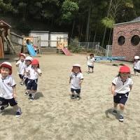 年少組☆小学校図書室訪問