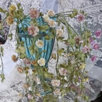 ミニのつるバラから大きなリース