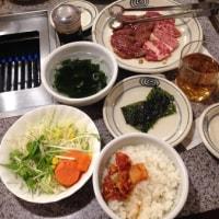 焼き肉ランチ 1,230円。サラダとキムチとご飯おかわり可
