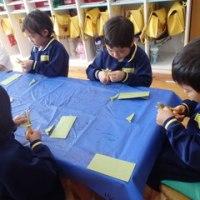 みどり 4歳児 紋切り・室内遊び