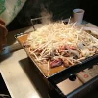 この季節にキャンプで食べる、北海道の「東京ホルモン」