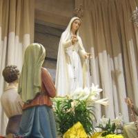 「私はロザリオの聖母です。いつも毎日ロザリオを唱え続けなさい。もうこれ以上天主なる私たちの主に罪を犯してはなりません。すでに主はあまりにも多く犯されていますから。」(ファチマの聖母)