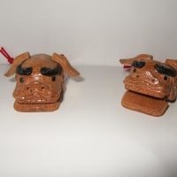 木彫りの鈴のほか、獅子頭