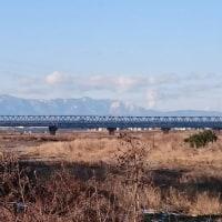 新幹線と残雪