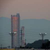 10月20日(木)-鉄塔と迎える朝