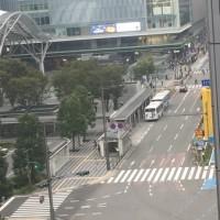 早朝の博多駅前