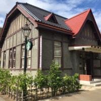 弘前のスタバは大正時代のモダンな建物です