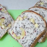 白神こだま酵母で黒ごまポテト食パン