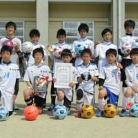 卒団式と親子サッカーの写真を公開しました。