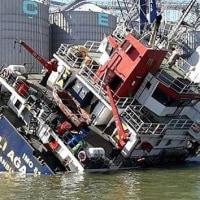 トルコ船舶M/V Ali Agaが転覆12人が負傷  トルコBandırma