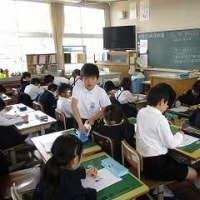 4/21 学校探検のお世話をして