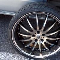 さいたま市でBMWの出張タイヤパンク修理