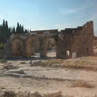 「エジプト・トルコ旅行記」 №61 ヒエラポリス遺跡、昔の都市跡へ