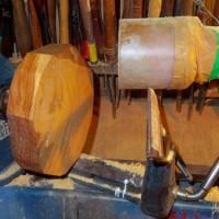杉材で浅鉢挽き