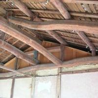 天井を壊すと現れた梁に、昭和八年の文字。頭領の名も。