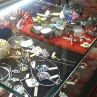 日田温泉亀山亭ホテル雑貨、宝飾品も販売
