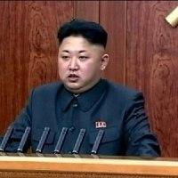 ◯【朝鮮日報(日本語版)】・・・・・11日、米原子力空母「カール・ビンソン」が前日にグアムに米軍の戦略部隊が朝鮮半島周辺に集結していることを報。怯える正恩!