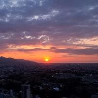 今日の札幌の夕焼け(2)〜手稲の山並み映える