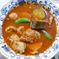 チキンと野菜を生トマトで煮込んだシチュー