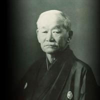 日本ではなくなった、無機的な、からっぽな、ニュートラルな、中間色の、富裕な、抜目がない、或る経済的大国
