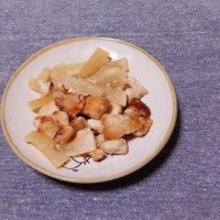つまみ 鶏肉と大根の中華炒め