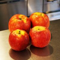 特大リンゴ
