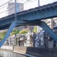 2017.05.02 千代田区 昌平橋: 神田川を船が行く