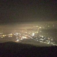 今朝は濃霧、霧は高く残念!