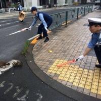 【日本では普通の光景ですよ!】「世界が大変な時に日本の警察と来たら!」 日本の警察官のステキな任務に外国人が羨ましすぎ