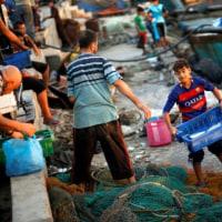 ガザ漁民はイスラエルの厳しい治安網を感じている (1)