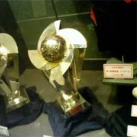 そして栄冠を(2009WBCのトロフィー)