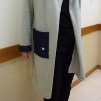 襟をねじって着るコート(カットソー生徒作品)