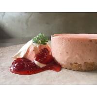 今日の日替わりランチは 「鮭フライ タルタルソース」です!