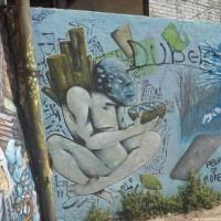 南米チリ 世界遺産バルパライソ  落書きかアートか・・?