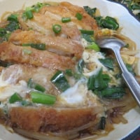 かつとじ,冷麺ニラ炒めで木曜の晩ごはん