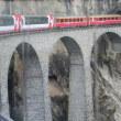 Landwasserviadukt(ランドヴァッサー橋)をゆく氷河特急