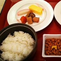 今日はホテルの朝食です