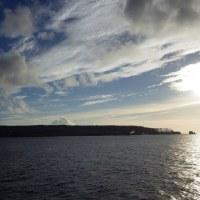 2016年小笠原村硫黄島慰霊墓参(333)小笠原丸で硫黄島を周回(44)硫黄島の北側から島の北西側全体