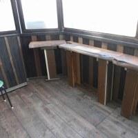 DIY(テラスを部屋らしく窓を付ける その11 机の化粧)