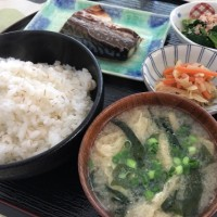 休日ランチ☆さばの塩焼き定食&チキンカレーライス☆