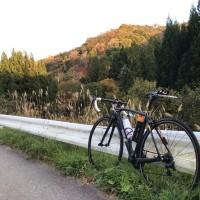 紅葉の始まった下小鳥ダムと小鳥峠へ。