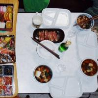 遅くなったけど・・・・(^^;;)  平成29年元旦の食卓・・・・ m(__)m