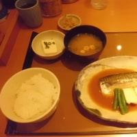 日本人は、白いお米とサカナでつなぁ~